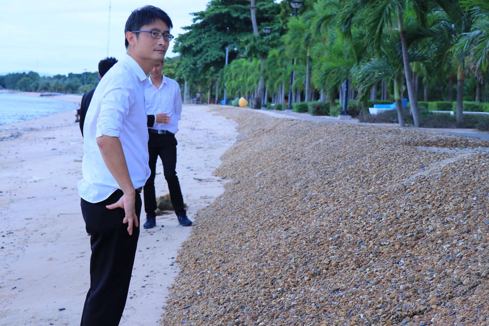 รองอธิบดี ทช.ลงพื้นที่สำรวจสภาพการกัดเซาะชายฝั่ง ในพื้นที่ชายหาดพัทยา