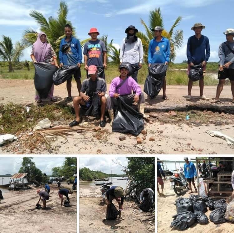 เก็บขยะตกค้างป่าชายเลนและชายฝั่ง บ้านคลองกำ