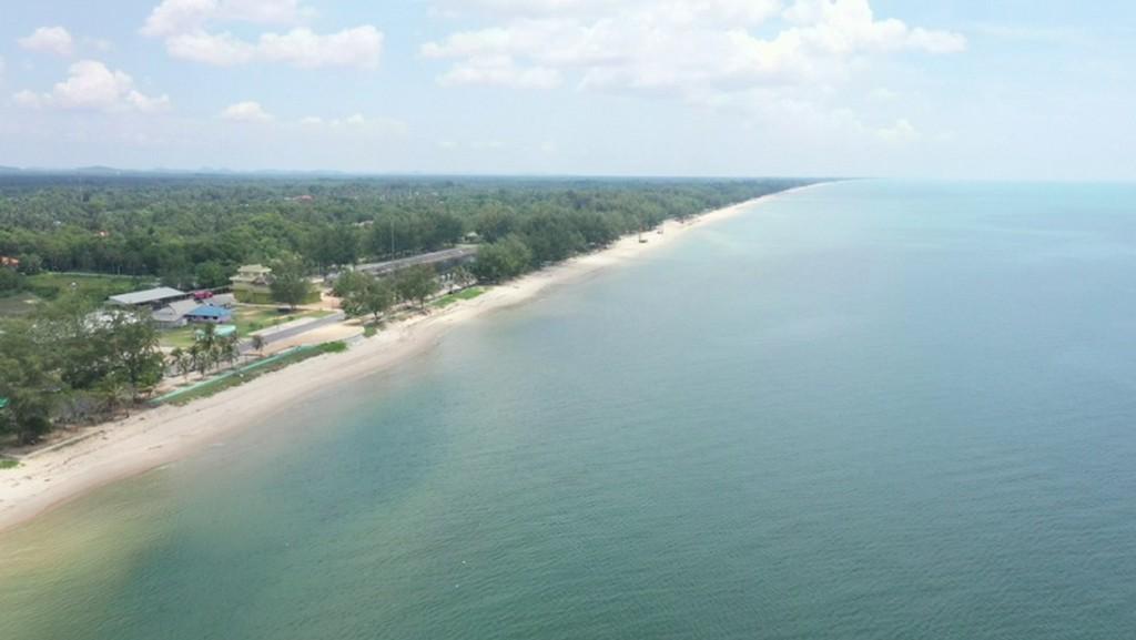 ชายหาดม่วงงาม ความงามที่กำลังจะถูกพัฒนาให้สวยงามมากขึ้น
