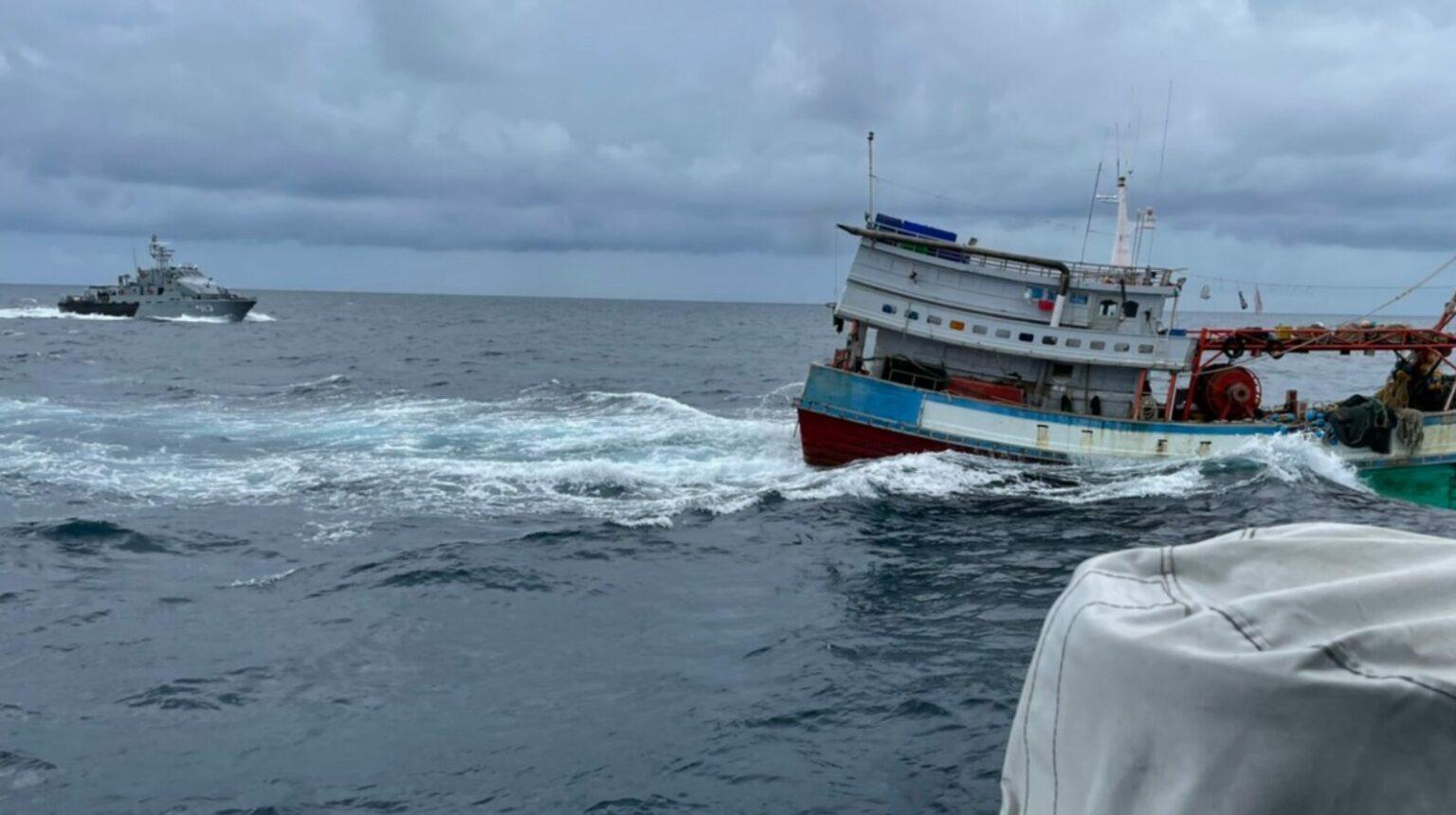 ทร.ระทึก! ไปจับเรือประมงเวียดนาม เจอพุ่งชน-แล่นหนี ตามไม่ทัน หนีออกน่านน้ำไทยไปได้